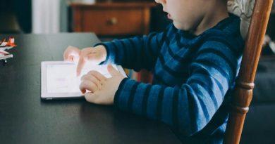 Cara Mengatasi Anak Terlepas dari Ketergantungan Gadget
