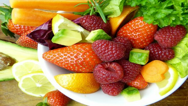 Cara Membuat Salad Buah Segar dan Sehat