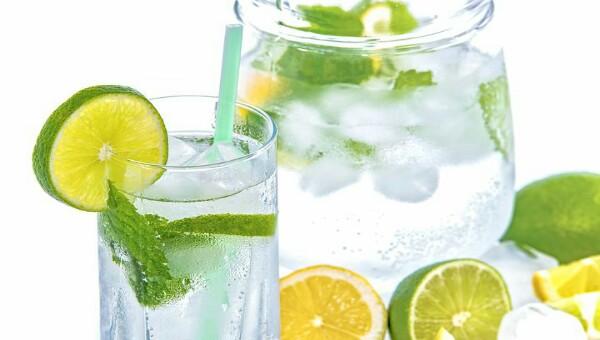 Cara Menurunkan Berat Badan dengan Minum Air Putih